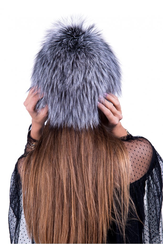 Caciula de blana naturala de vulpe argintie Blue Frost pe suport textil , Carolina Design