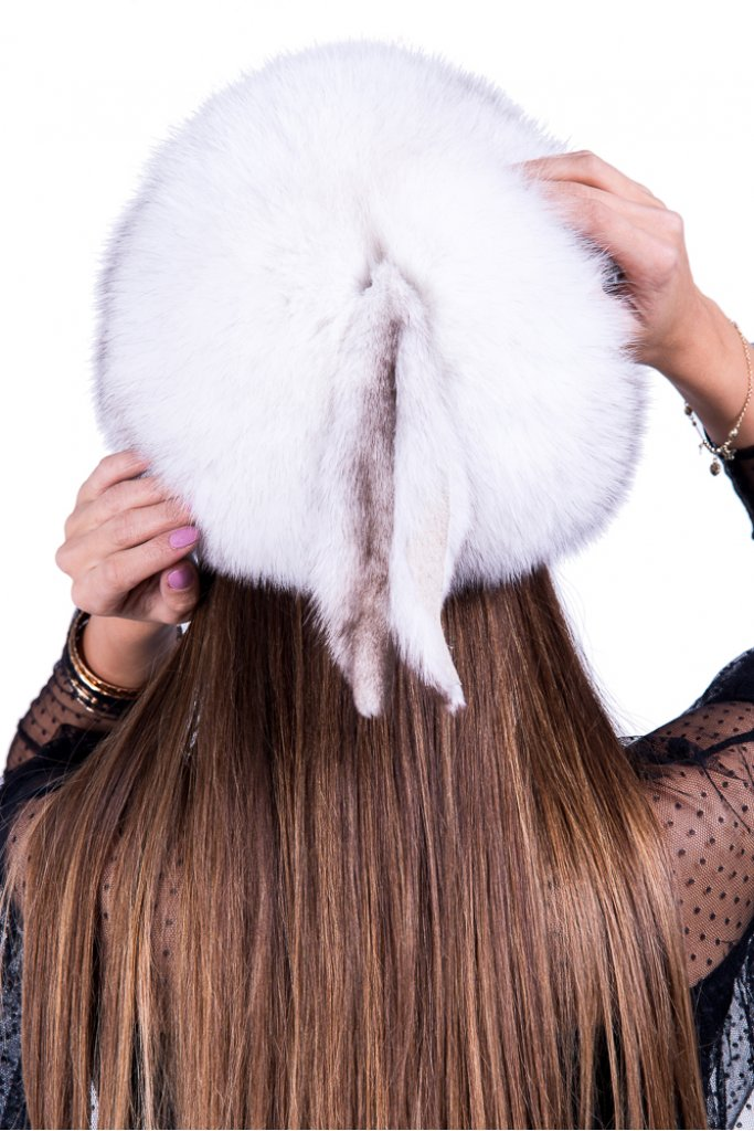 Caciula de blana naturala de Vulpe Polara alb natural spicuit rotunda , Carolina Design
